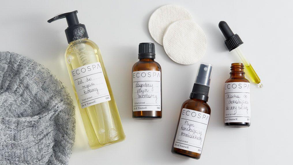 Wieloetapowe oczyszczanie twarzy - jak zrobić je w domu?