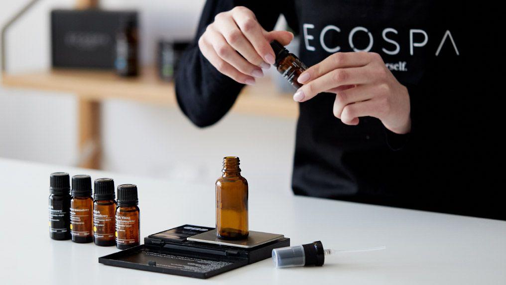Jak zrobić naturalne perfumy DIY?