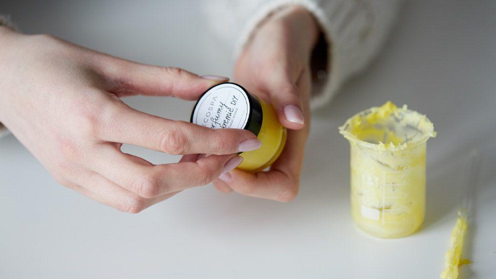 Jak zrobić perfumy DIY w kremie?